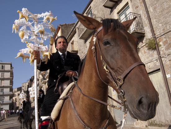 CRAVACCATA 2011 - Geraci siculo (2768 clic)