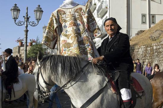 CRAVACCATA 2011 - Geraci siculo (3572 clic)