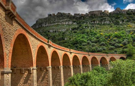 Il vecchio ponte del trenino - Assoro (4973 clic)