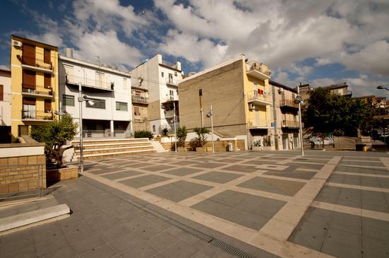 Piazza San Leonardo - Serradifalco (1992 clic)
