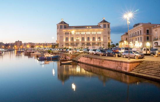 Al Porto - Siracusa (210 clic)