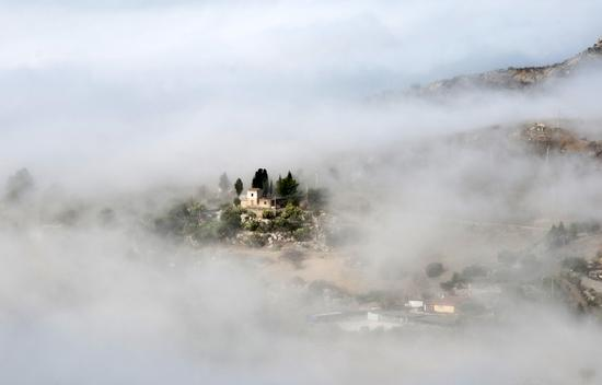 Nebbia mattutina - SAN CATALDO - inserita il 03-Feb-14