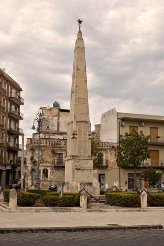 Obelisco - Avola (3606 clic)