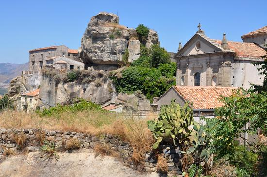 Castello - Castiglione di sicilia (3130 clic)