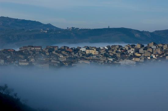 Nebbia avvolgente - Montedoro (7248 clic)