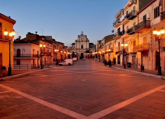 Piazza Grande - Santa caterina villarmosa (2903 clic)