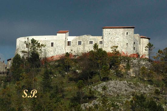 Castello Baronale - CASALBUONO - inserita il 06-Dec-10