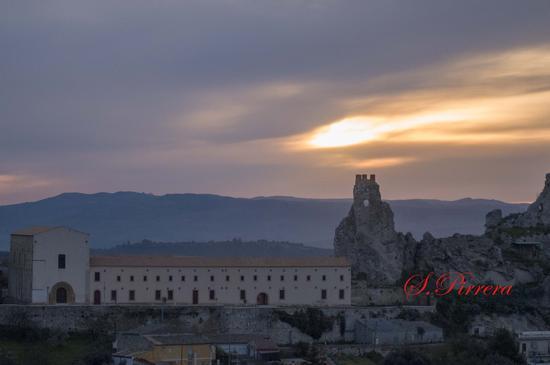 castello Pietrarossa - Caltanissetta (243 clic)