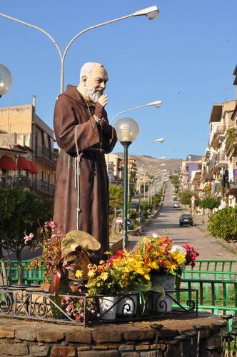 San Pio da Pietrelcina - Catenanuova (2784 clic)