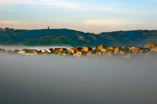 Nebbia avvolgente - Montedoro (4690 clic)