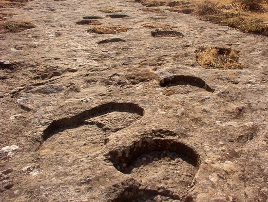 Le Orme dei Giganti - CERAMI - inserita il 27-Dec-10
