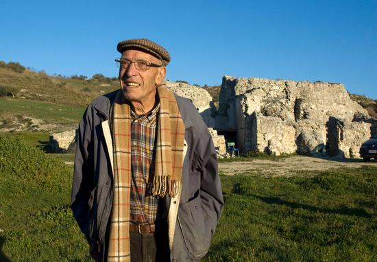 Carcàra Marano e il  proprietario,Filppo Diperri - Pietraperzia (3311 clic)