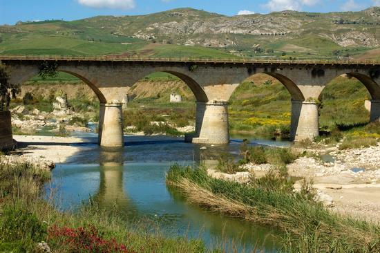 Ponte Tallarita - Sommatino (6424 clic)