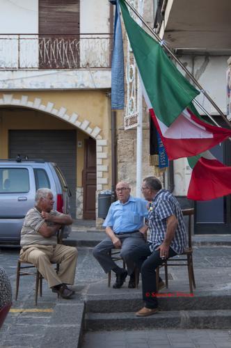 Quattro amici al bar - Raddusa (356 clic)