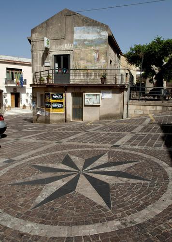 Piazza stellata - Reitano (1991 clic)