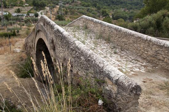 Ponte vecchio - Castronovo di sicilia (2813 clic)