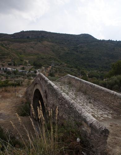 Ponte Vecchio - Castronovo di sicilia (2606 clic)