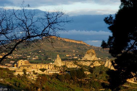Castello Pietrarossa - Caltanissetta (3884 clic)