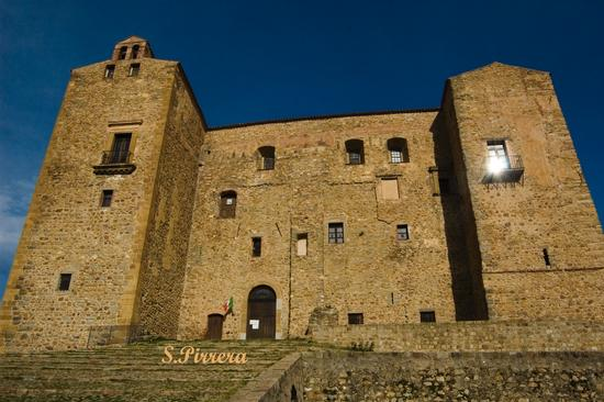 Castello Ventimiglia - Castelbuono (4031 clic)