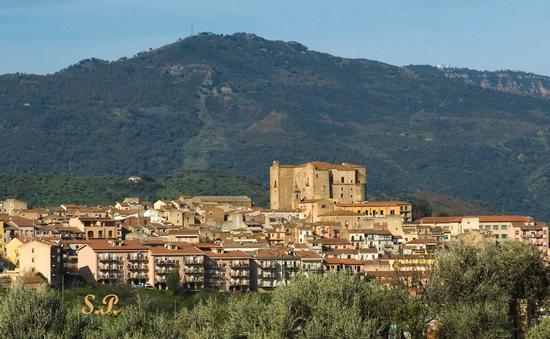 Castello Ventimiglia/lato Est - Castelbuono (3846 clic)