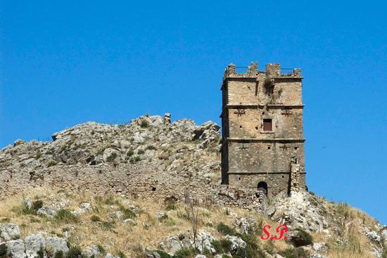 Torre Bordonaro - Gangi (7354 clic)