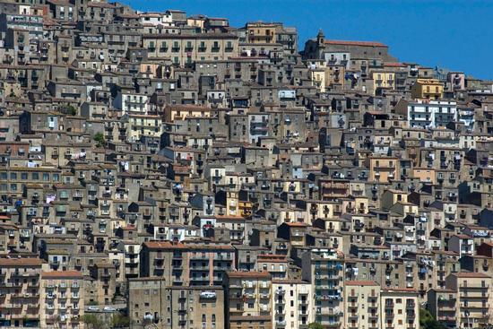 Gangi case su case (13676 clic)