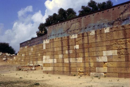 Mura Timoleontee di Caposoprano - Gela (6357 clic)