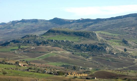 Monte,castellazzo - Marianopoli (6032 clic)