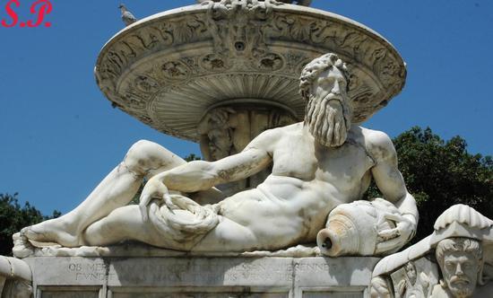Fontana di Orione - Messina (3173 clic)