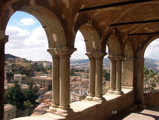 Portico S,Salvatore - Nicosia (4055 clic)