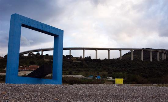 Monumento per un poeta morto TANO FESTA - Reitano (4318 clic)