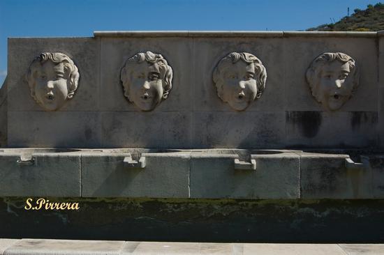 Fontana  - Riesi (5494 clic)
