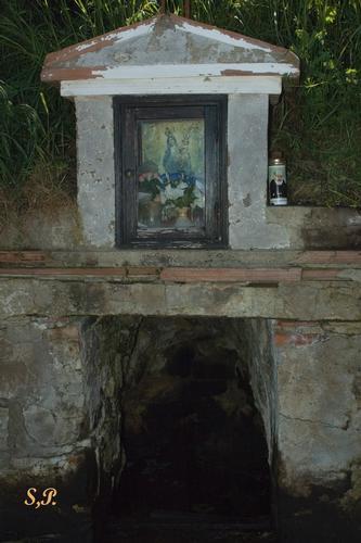 La sorgente dell'olio - Blufi (4396 clic)