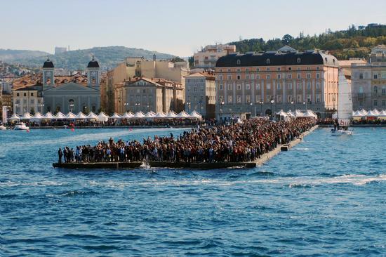 Trieste - Tutti sul Molo Audace (11937 clic)