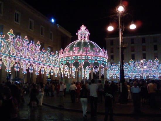 magia di luci in piazza S. Oronzo - Lecce (3298 clic)