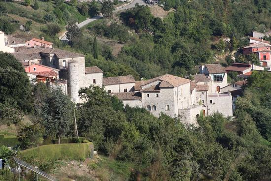 Il borgo Vicidomini  - SAN MARCO DEI CAVOTI - inserita il 01-Feb-11