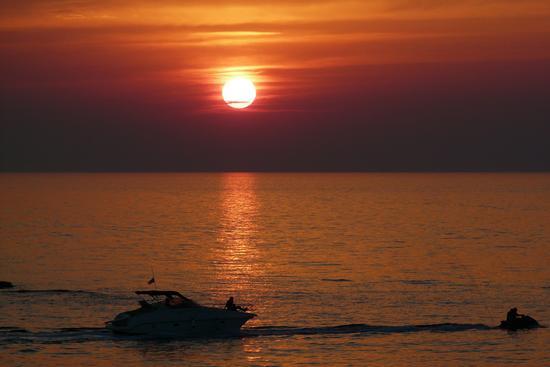 barca al tramonto - Gallipoli (3924 clic)