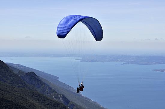 in volo sul lago di Garda - Malcesine (2239 clic)