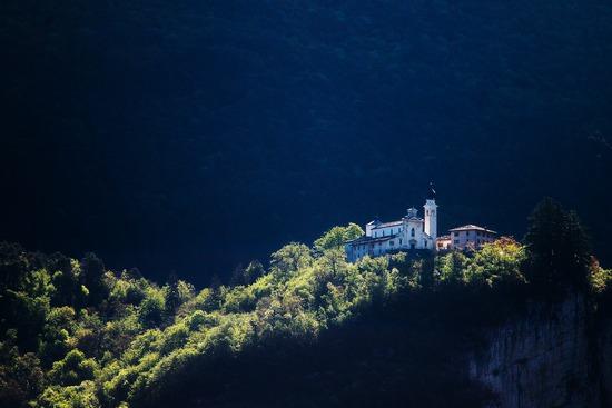 Santuario di S.Valentino - ALA - inserita il 29-Mar-13