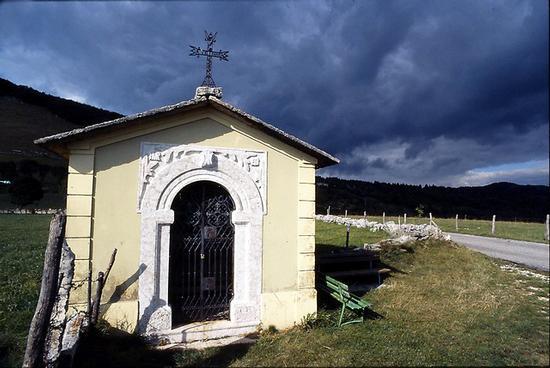 chiesetta di montagna - Erbezzo (1318 clic)