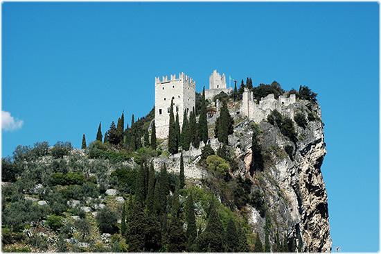 il castello di Arco (2956 clic)