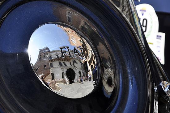 Una vecchia signora in piazza dei Signori - Verona (2030 clic)