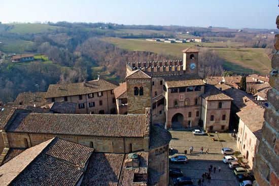 PIAZZA - Castell'arquato (2279 clic)
