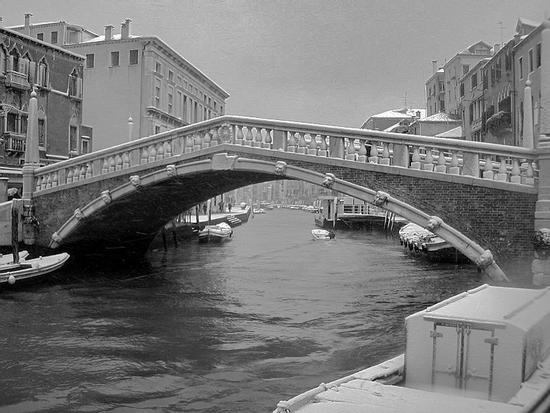 nevicata venezia ponte delle guglie  (1036 clic)