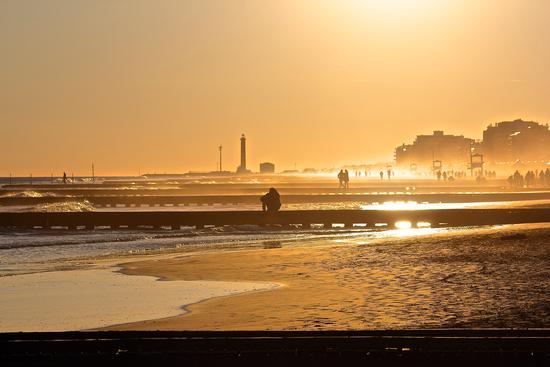 Passeggiata al mare al tramonto (547 clic)