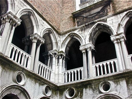 angolo interno palazzo ducale - Venezia (4089 clic)