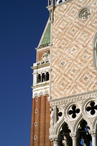 prospettiva di due monumenti affascinanti - Venezia (2722 clic)