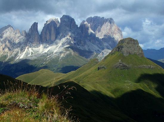 Dolomiti:Sassopiatto e Sassolungo - POZZA DI FASSA - inserita il 09-Jan-12