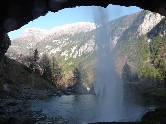 la val raccolana vista da dietro il fontanone di goriuda - Sella nevea (5944 clic)