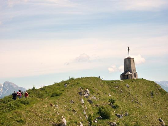 la cappella del redentore sulla cresta del monte cuarnan - Artegna (2685 clic)